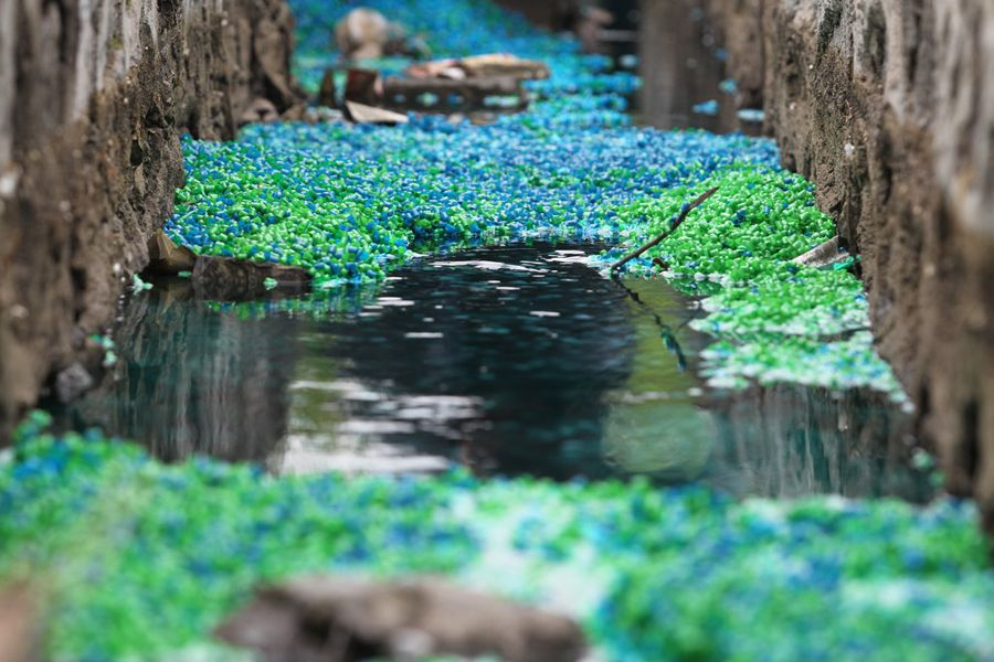 Mysterious Rainbow River of Pills Appears In China (2/6)